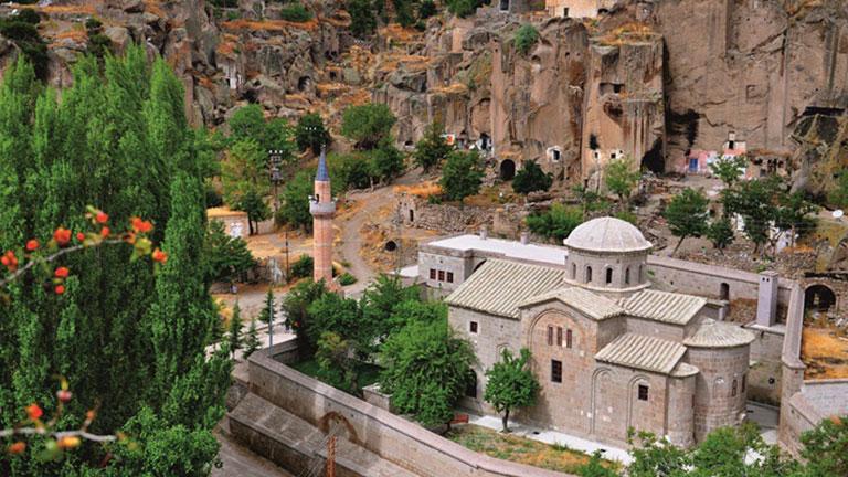 Güzelyurt Gelveri Camii Kilise